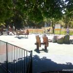 Plac zabaw z dinozaurami - mniejszy placyk dla najmłodszych