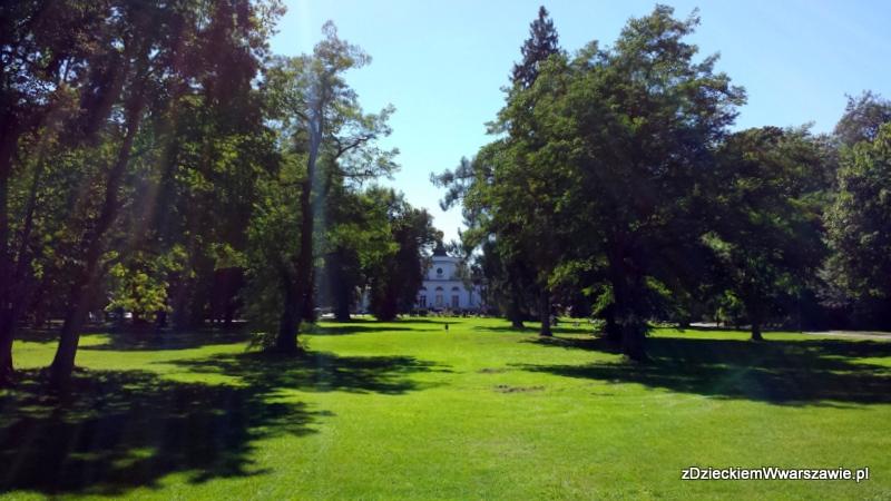 Park przed Pałacem w Jabłonnie