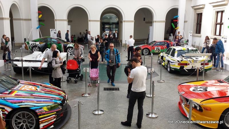 Ekspozycja z 6 autami BMW Art Cars