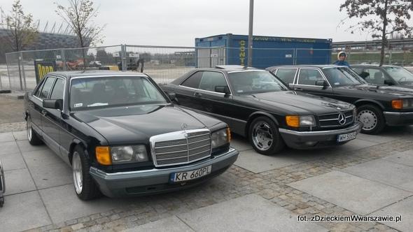 Poczciwe Mercedesy - mimo wieku budzą szacunek i zachwyt