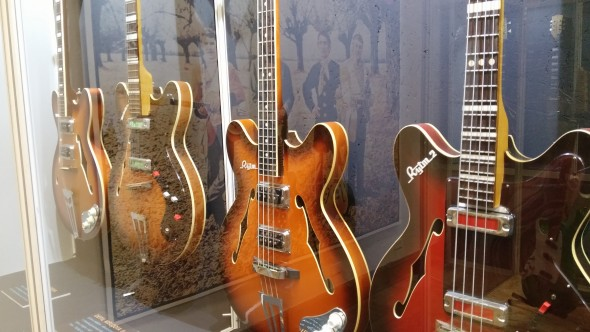Inna wystawa czasowa - historia polskich gitar Defil