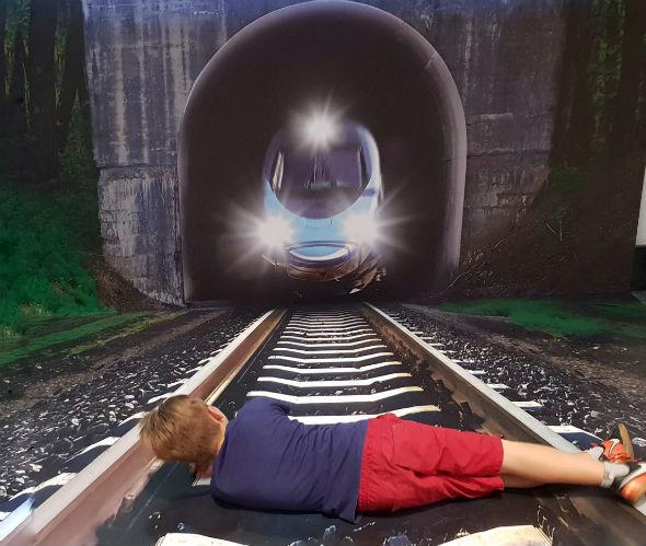 Iluzja Selfie w PKIN - tunel