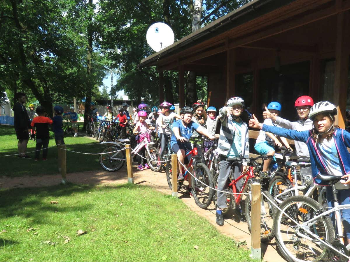 Półkolonie w Sporteum wycieczka rowerowa