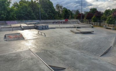 Największy skatepark w Warszawie rankiem