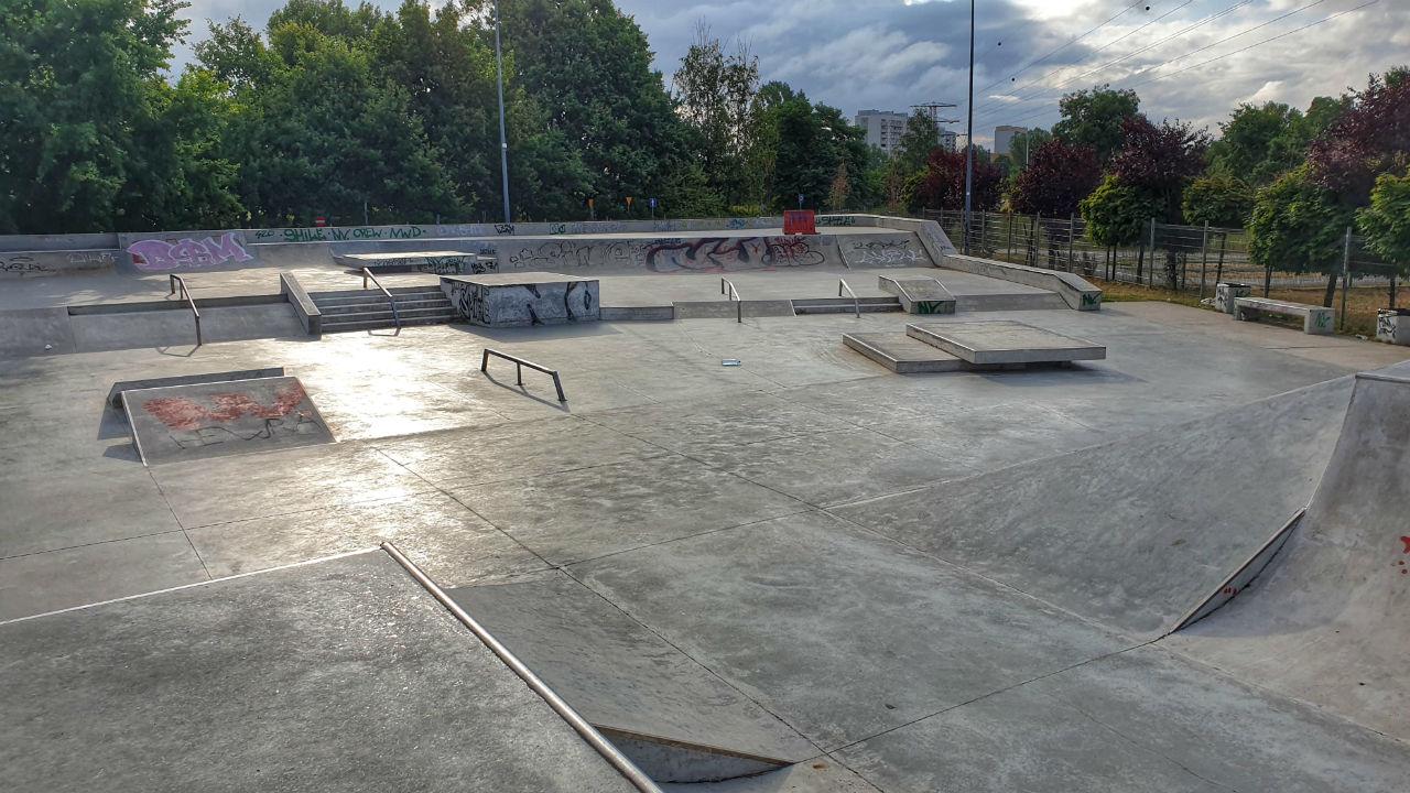 Największy skatepark w Warszawie – czy warto przyjść tutaj z dzieckiem?