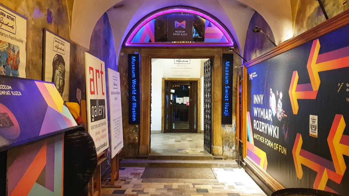 wejście muzeum świat iluzji